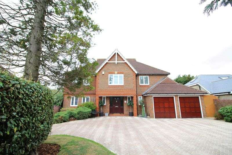 5 Bedrooms Detached House for sale in Marshall Close, Sanderstead, Surrey