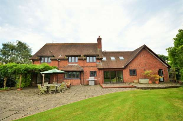 5 Bedrooms Detached House for sale in Fishers Pond, Hampshire