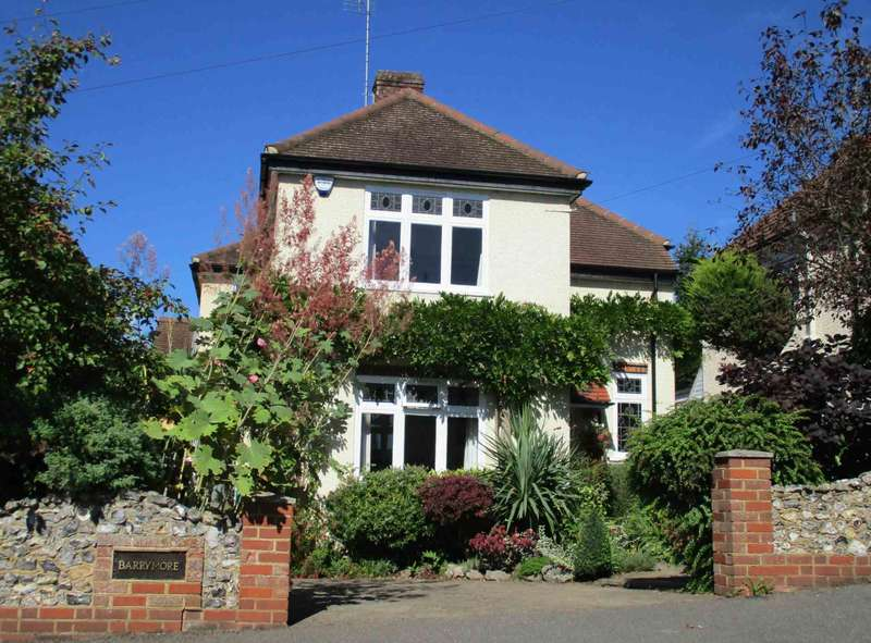 4 Bedrooms Detached House for sale in West Wycombe. Immaculate 1920`s 4 Bed Detached