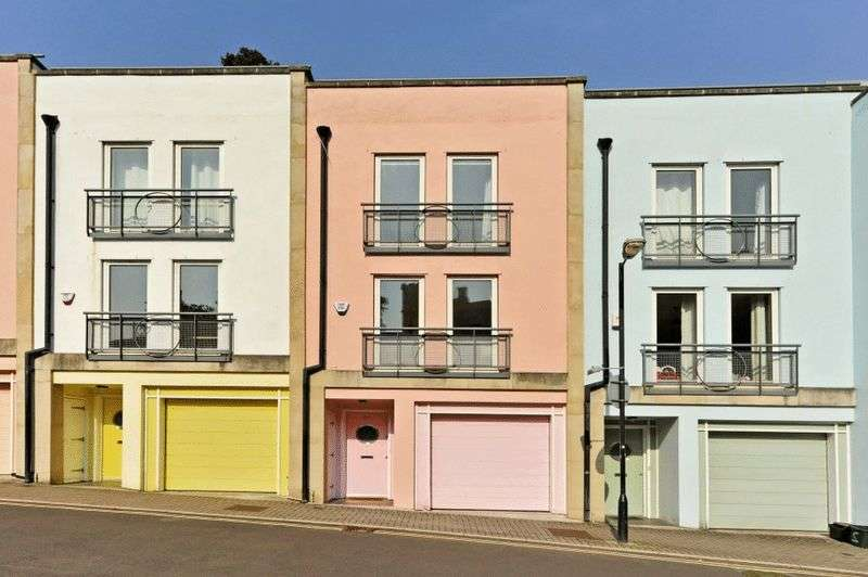 4 Bedrooms Terraced House for sale in Lower Clifton Hill, Clifton