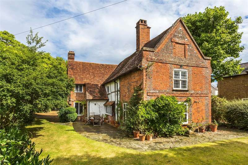 5 Bedrooms Detached House for sale in High Street, Horsell, Surrey, GU21