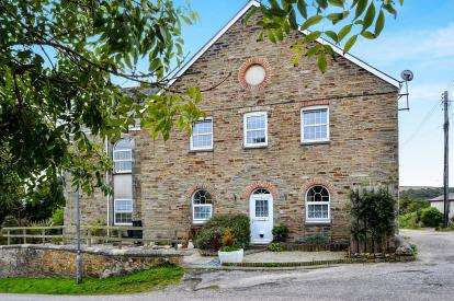 3 Bedrooms Flat for sale in Chapel Hill, Bolingey, Perranporth