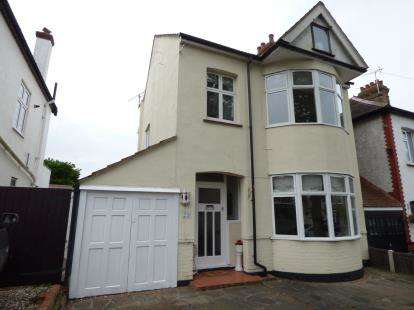 4 Bedrooms Detached House for sale in Leigh-On-Sea, Essex