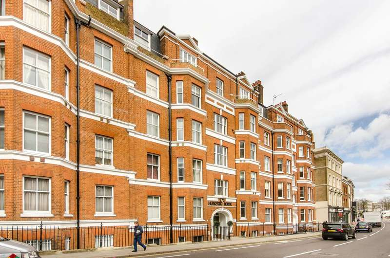 Flat in  Fulham Road  London  SW10  Chelsea