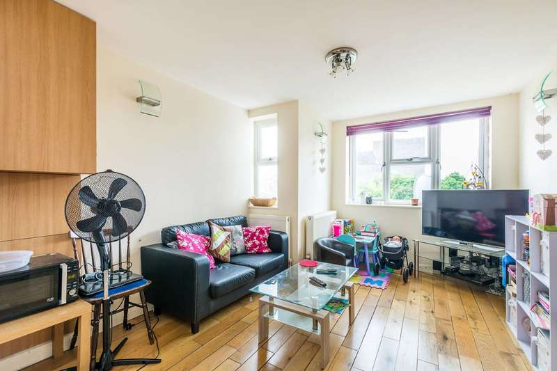 Flat in  Queens Road  Teddington  TW11  Richmond