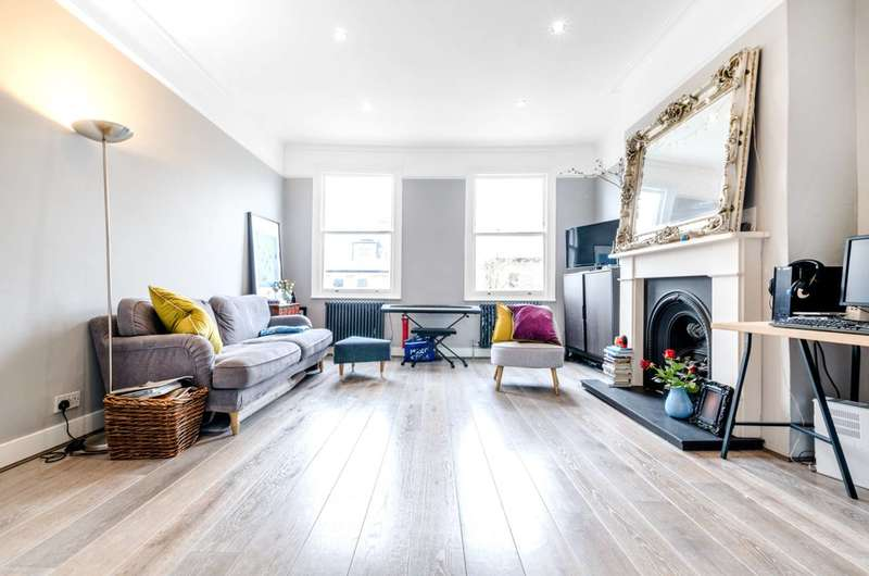 Flat in  South Hill Park Gardens  London  NW3  Camden