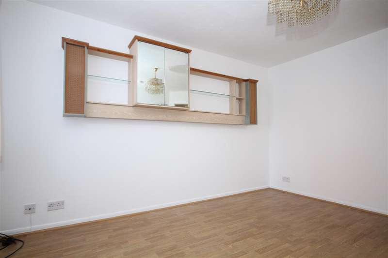 Flat in  Anderson Close  Acton  W3  Richmond