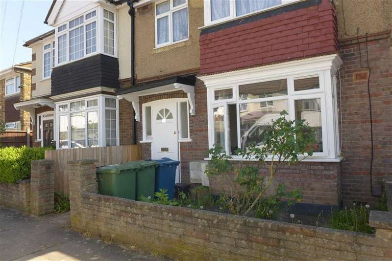 Flat in  Lorne Road  Harrow  Middlesex  HA3  Richmond