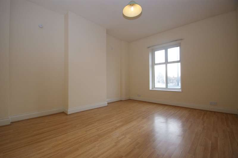 Flat in  Westway  Shepherds Bush  W12  Richmond