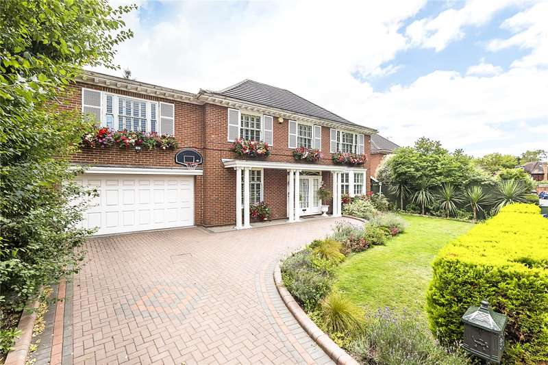 Detached house in  Dickens Close  Richmond  TW10  Richmond