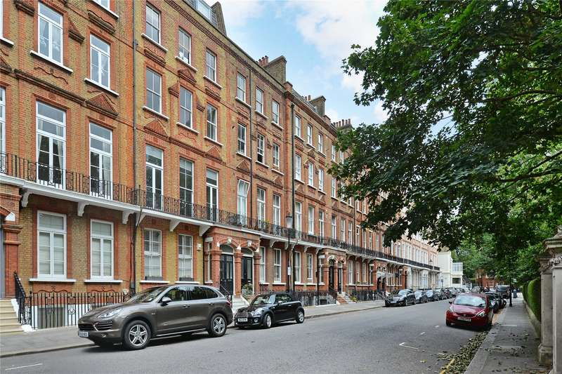 Flat in  Nevern Square  London  SW5  Richmond