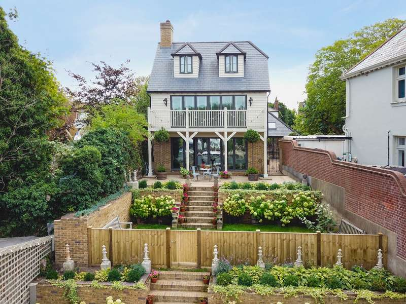 Detached house in  Manor Road  Walton-on-thames  KT12  Richmond