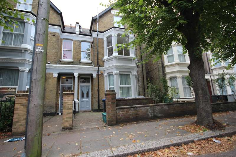 Flat in  St Albans Road  London  NW10  Richmond