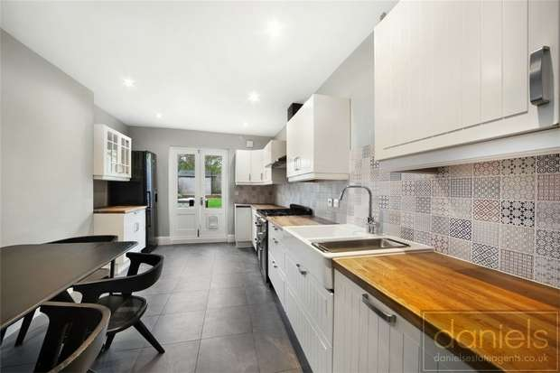 Detached house in  Northcote Road  Harlesden  London  NW10  Richmond