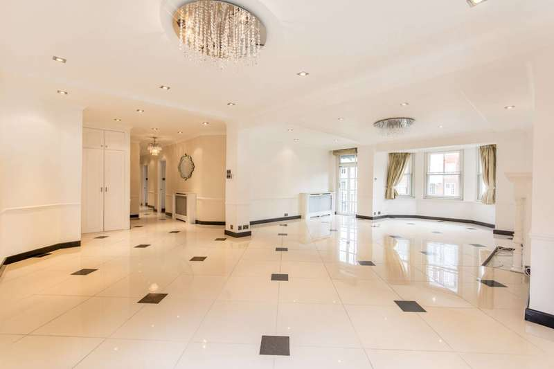 Flat in  Abbey Road  St. Johns Wood  NW8  Richmond
