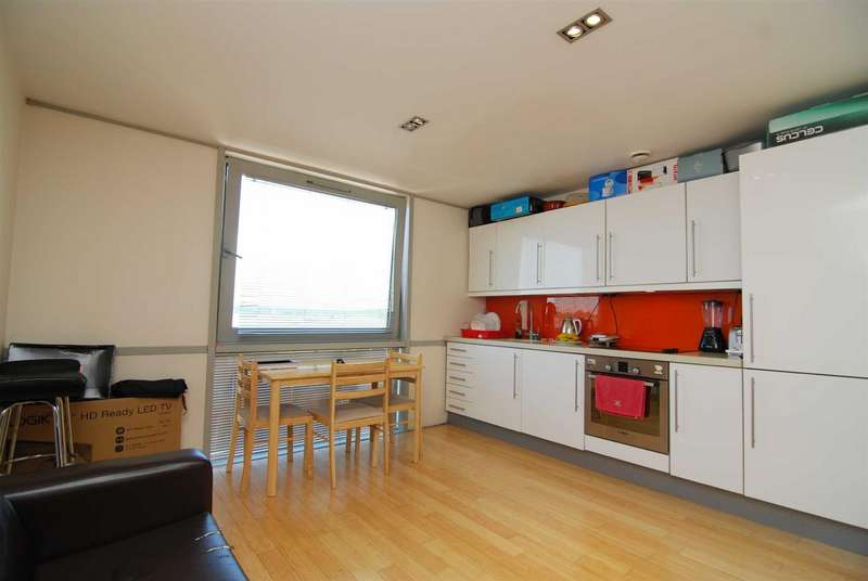 Flat in  Richmond Road  Ham  Kingston Upon Thames  KT2  Richmond