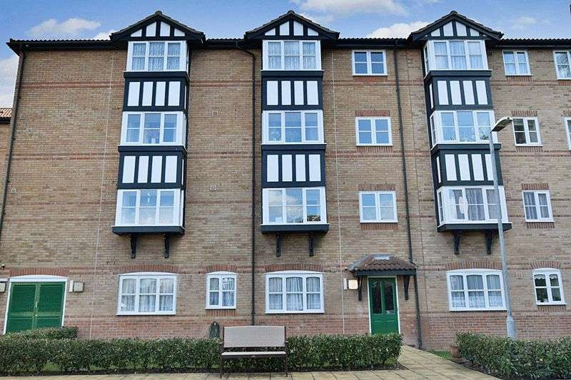 1 Bedrooms House For Sale In Regarth Avenue Romford Rm1