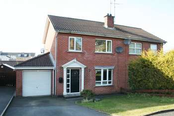 3 Bedrooms Property for sale in 56 Jubilee Heights, Dromore