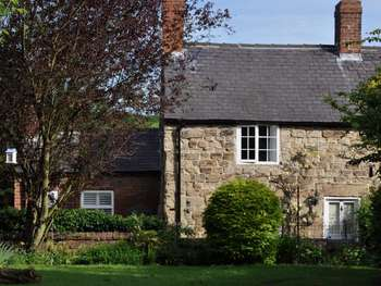 2 Bedrooms Cottage House for sale in Christmas Cottage, Golden Valley, Riddings, Alfreton