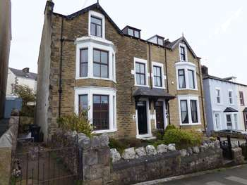 5 Bedrooms Semi Detached House for sale in Knowlys Road, Heysham