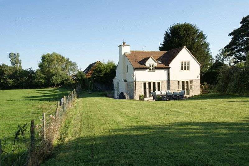 5 Bedrooms Detached House for sale in BISHOPSTONE, BUCKINGHAMSHIRE