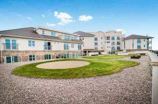 2 Bedrooms Flat for sale in Burbo Point, 34 Hall Road West, Liverpool, Merseyside, L23