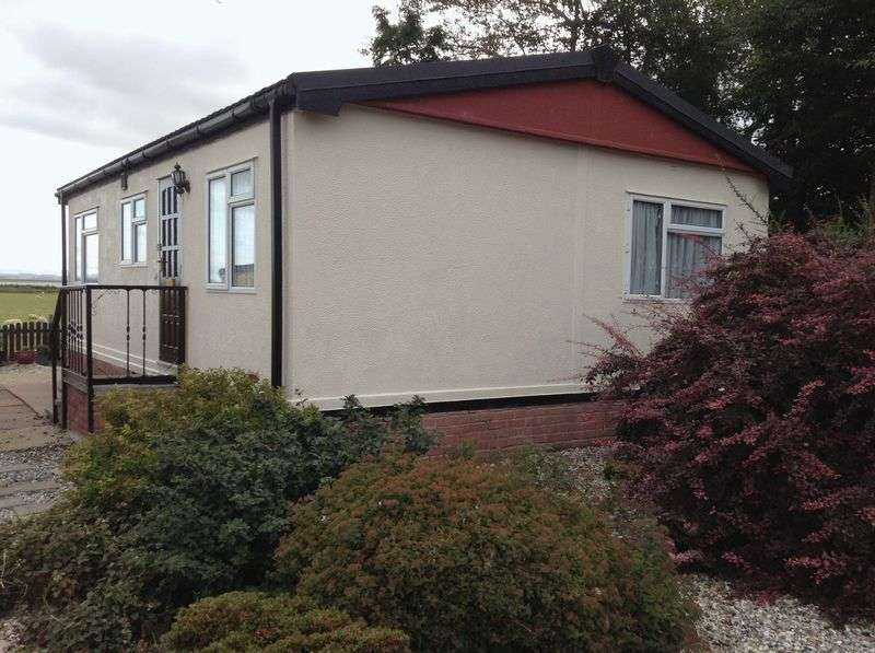 2 Bedrooms Detached Bungalow for sale in Cherry Tree Park, Gretna