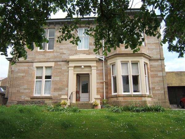 2 Bedrooms Flat for sale in Ground Floor, Ardmore, High Askomil, Campbeltown