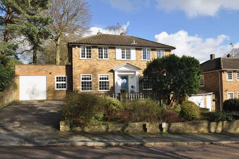 4 Bedrooms Detached House for sale in Winding Wood Drive, Camberley