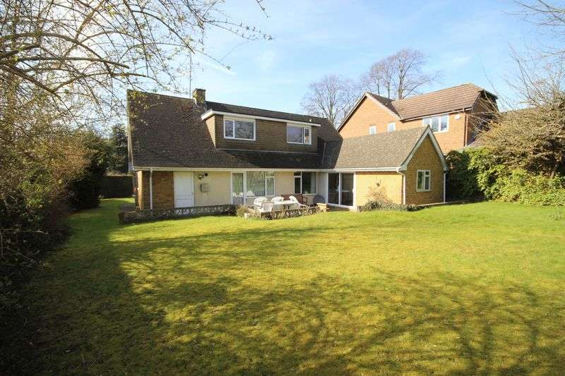 4 Bedrooms Detached House for sale in Bowling Green Lane, Old Bedford Road, Luton
