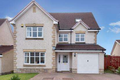 6 Bedrooms Detached House for sale in Langlook Crescent, Crookston