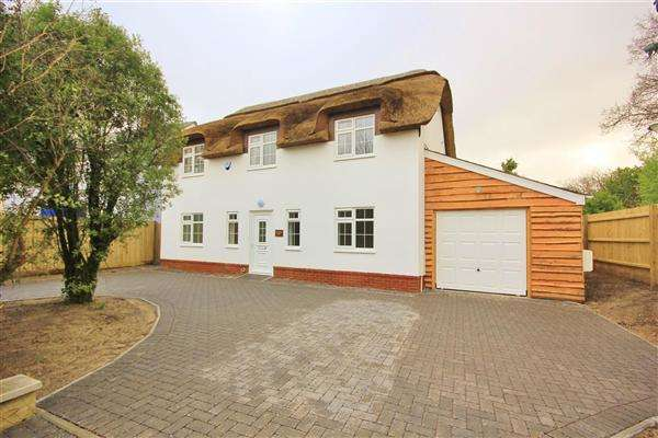 4 Bedrooms Detached House for sale in Marsh Lane, Upton