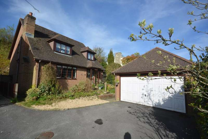 4 Bedrooms Detached House for sale in Spetisbury