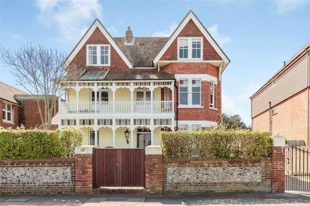 8 Bedrooms Detached House for sale in Bedfordwell Road, Eastbourne, East Sussex