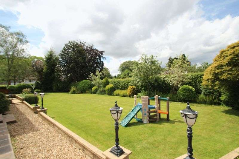 4 Bedrooms Detached House for sale in Southworth Road, Newton-le-Willows