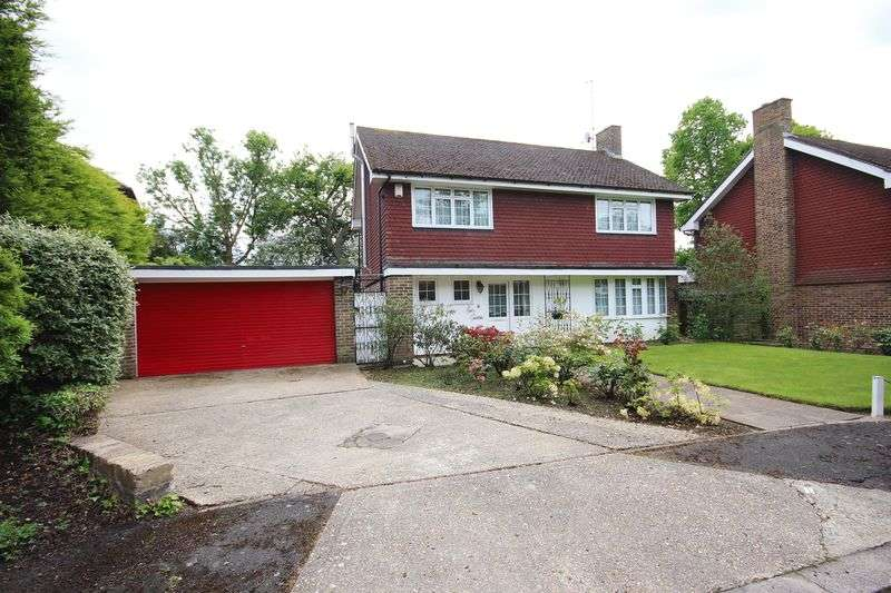 4 Bedrooms Detached House for sale in Ross Close, Harrow Weald