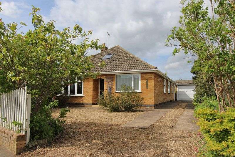5 Bedrooms Detached Bungalow for sale in High Street, Thurlby