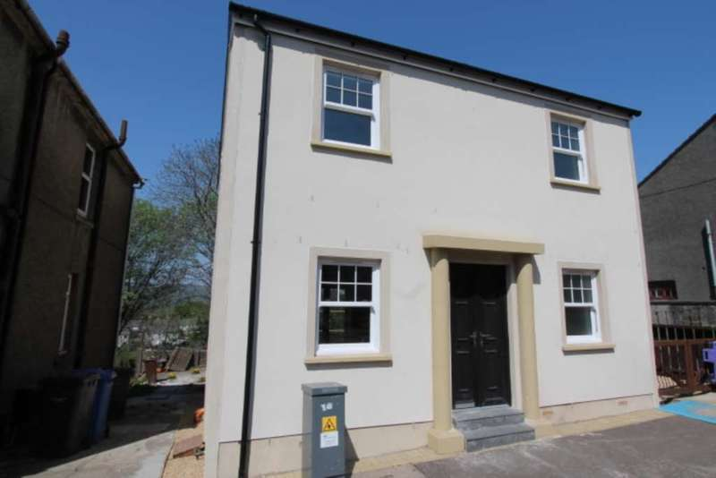 3 Bedrooms Detached House for sale in Eglinton Street