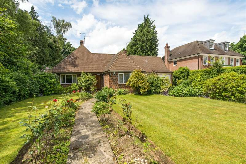 4 Bedrooms Detached Bungalow for sale in The Barton, Cobham, Surrey, KT11