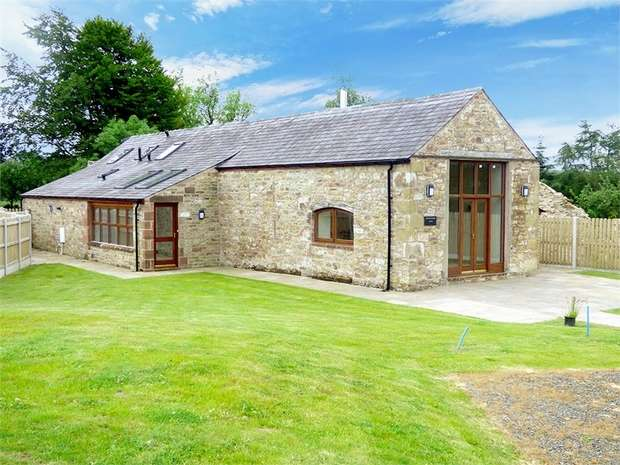 3 Bedrooms Detached House for sale in Roadhead, Carlisle, Cumbria