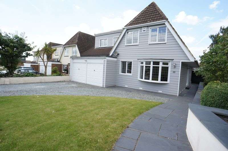 4 Bedrooms Detached House for sale in Vicarage Hill, South Benfleet