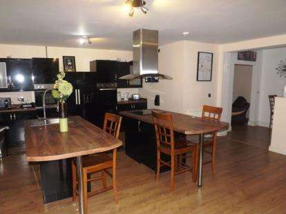 5 Bedrooms Semi Detached House for sale in Tithe Barn Road, Stafford, Staffordshire
