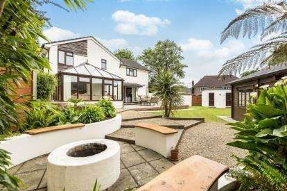 4 Bedrooms House for sale in Waterlooville, Hampshire