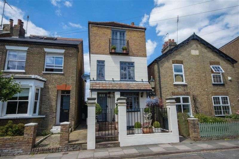 4 Bedrooms Detached House for sale in Talbot Street, Hertford