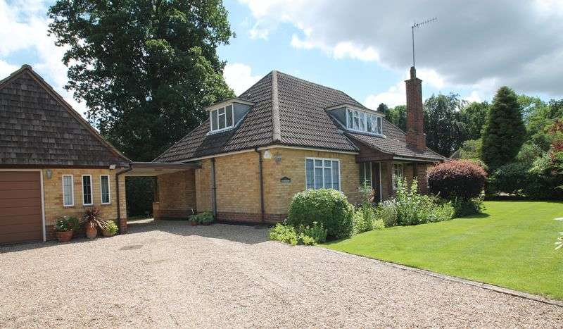 3 Bedrooms Detached House for sale in Woodstock, West Clandon