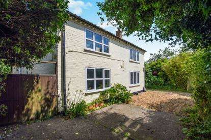 4 Bedrooms Detached House for sale in Threadneedle Street, Bergh Apton, Norwich