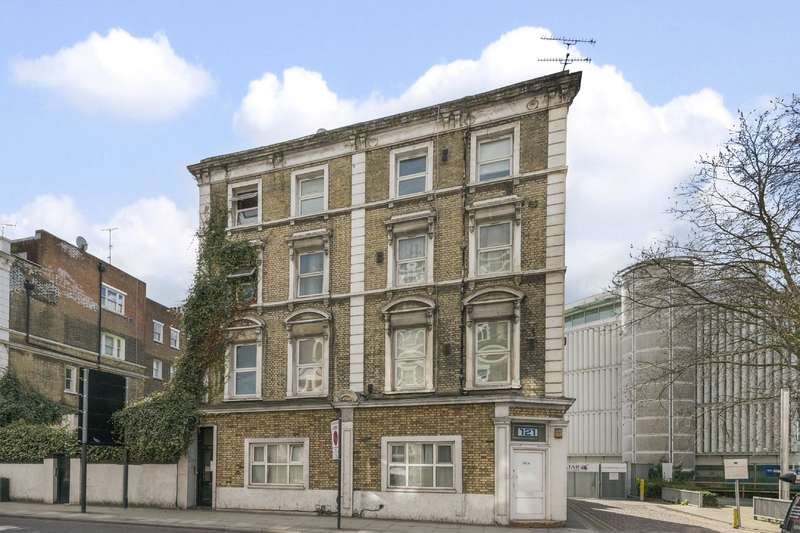 House for sale in Warwick Road, Earls Court