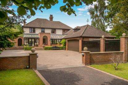 5 Bedrooms Detached House for sale in Wroxham, Norwich, Norfolk