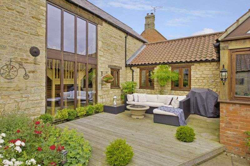 5 Bedrooms Detached House for sale in Towngate West, Market Deeping, Peterborough, Lincolnshire