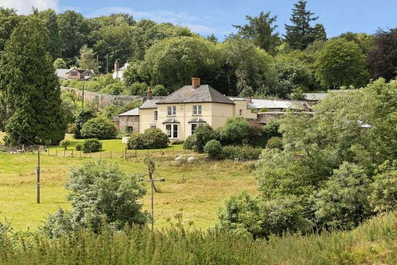 5 Bedrooms Detached House for sale in Welsh Newton Common - excess of 4 acres